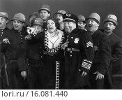 Купить «Hollywood, California: 1939.Actress Marjorie Beebe and the police are all terrified in this scene from Hollywood Cavalcade.», фото № 16081440, снято 29 января 2020 г. (c) age Fotostock / Фотобанк Лори