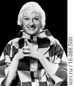 United States: c. 1960.A smiling portrait of comedienne Phyllis Diller. Редакционное фото, фотограф Underwood Archives / age Fotostock / Фотобанк Лори