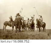 Купить «Montana: 1908.An Edward S. Curtis photogravure of Atsina warriors on horseback.», фото № 16088752, снято 3 июня 2020 г. (c) age Fotostock / Фотобанк Лори
