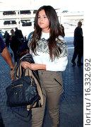 Купить «Selena Gomez at Los Angeles International Airport (LAX) Featuring: Selena Gomez Where: Los Angeles, California, United States When: 09 Mar 2015 Credit: MONEY$HOT/WENN.com», фото № 16332692, снято 9 марта 2015 г. (c) age Fotostock / Фотобанк Лори