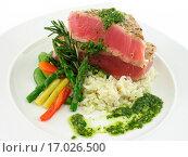 Tuna steak. Стоковое фото, фотограф Zoonar/C Thompson / easy Fotostock / Фотобанк Лори
