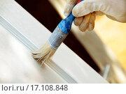 Купить «Painting wooden door», фото № 17108848, снято 23 марта 2019 г. (c) easy Fotostock / Фотобанк Лори