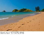 Купить «Pair of footprints on a tropical beach», фото № 17575916, снято 25 марта 2019 г. (c) easy Fotostock / Фотобанк Лори