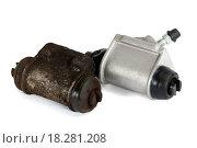 Купить «Old and new hydraulic cylinders brake isolated», фото № 18281208, снято 30 марта 2020 г. (c) easy Fotostock / Фотобанк Лори