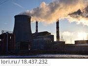 Заводские трубы, дым. Стоковое фото, фотограф Алексей Наумов / Фотобанк Лори