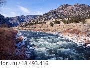 Купить «Верхнее течение реки Арканзас в Скалистых горах штата Колорадо, США», фото № 18493416, снято 26 декабря 2015 г. (c) Ирина Кожемякина / Фотобанк Лори