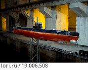 Купить «Модель подводной лодки проекта 613, Канал дока, Балаклавский подземный музейный комплекс, Крым», эксклюзивное фото № 19006508, снято 14 ноября 2015 г. (c) Вячеслав Палес / Фотобанк Лори