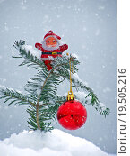 Купить «Merry Christmas postcard with Santa Claus in the snow», фото № 19505216, снято 19 марта 2019 г. (c) PantherMedia / Фотобанк Лори