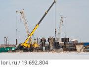 Монтаж опалубки (2012 год). Редакционное фото, фотограф Верстуков Виктор / Фотобанк Лори