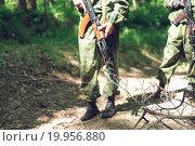 Боевая растяжка на пути солдата. Стоковое фото, фотограф Алина Щедрина / Фотобанк Лори