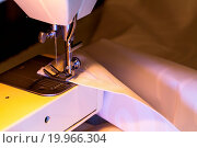 Купить «Craft Sewing Machine with Cloth 2», фото № 19966304, снято 20 апреля 2018 г. (c) easy Fotostock / Фотобанк Лори