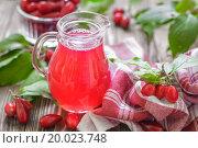 Купить «Cornel juice», фото № 20023748, снято 22 августа 2013 г. (c) easy Fotostock / Фотобанк Лори