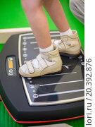 Купить «child feet on a vibrating training platform», фото № 20392876, снято 27 июня 2014 г. (c) Losevsky Pavel / Фотобанк Лори