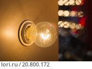 Лампа накаливания. Стоковое фото, фотограф Сергей Блинов / Фотобанк Лори