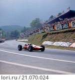 John Surtees in a Ferrari 158 finished 3rd in the French GP at Clermont Ferrand 27 June 1965 (2015 год). Редакционное фото, фотограф GPL-Geoff Goddard / age Fotostock / Фотобанк Лори
