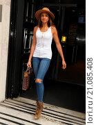 Купить «Alesha Dixon leaving the BBC Radio 2 studios Featuring: Alesha Dixon Where: London, United Kingdom When: 19 Jun 2015 Credit: WENN.com», фото № 21085408, снято 19 июня 2015 г. (c) age Fotostock / Фотобанк Лори