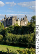 French medieval town of Vitre, Brittany. Vitre Castle Chateau seen from the west. Summer. Стоковое фото, фотограф David Lyons / age Fotostock / Фотобанк Лори