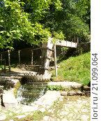 Деревенская стиральная машина в Болгарии (2006 год). Стоковое фото, фотограф Фёдор Ромашов / Фотобанк Лори