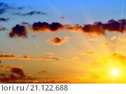 Купить «Небесный пейзаж в золотистых тонах», фото № 21122688, снято 30 мая 2015 г. (c) Сергей Трофименко / Фотобанк Лори
