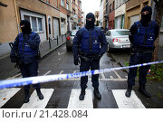Купить «Belgium police carried out raids and house searches, but arrested no terrorists in muslim area Molenbeek in Brussels.», фото № 21428084, снято 16 ноября 2015 г. (c) age Fotostock / Фотобанк Лори
