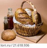 Натюрморт с хлебом и сыром сулугуни. Стоковое фото, фотограф Наталья Елькина / Фотобанк Лори