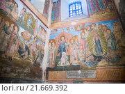 Купить «Старинные фрески на стенах Успенского собора, Кирилло-Белозерский монастырь», фото № 21669392, снято 6 января 2016 г. (c) Юлия Бабкина / Фотобанк Лори