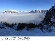Купить «Krippenbrunn, Austria, Alpine views overlooking in the cloud-shrouded valley», фото № 21670940, снято 4 февраля 2015 г. (c) Caro Photoagency / Фотобанк Лори