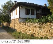 Здание в деревне в Болгарии (2006 год). Стоковое фото, фотограф Фёдор Ромашов / Фотобанк Лори