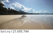 Купить «Сейшельские острова. Пляж с видом на синий океан», видеоролик № 21695744, снято 31 января 2016 г. (c) Алексей Собченко / Фотобанк Лори