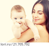 Купить «baby and mother», фото № 21705792, снято 17 января 2019 г. (c) Syda Productions / Фотобанк Лори