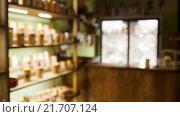 Купить «Интерьер чайного магазина, размытый фон», фото № 21707124, снято 3 февраля 2016 г. (c) Евгений Майнагашев / Фотобанк Лори