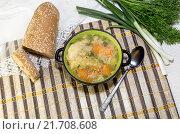 Купить «Куриный, гороховый суп в миске», фото № 21708608, снято 4 февраля 2016 г. (c) Татьяна Ляпи / Фотобанк Лори