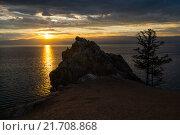 Закат на берегу острова Ольхон (озеро Байкал) Стоковое фото, фотограф Иван Рочев / Фотобанк Лори