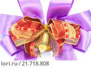 Купить «bell and ribbon with bow isolated», фото № 21718808, снято 22 марта 2019 г. (c) PantherMedia / Фотобанк Лори