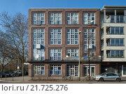 Купить «Berlin, Germany, housing construction in the Fanny Hensel-settlement in Berlin Kreuzberg», фото № 21725276, снято 27 февраля 2015 г. (c) Caro Photoagency / Фотобанк Лори