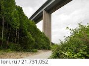 Купить «Siegen, Germany, Siegtalbruecke the A45 near Siegen», фото № 21731052, снято 27 мая 2015 г. (c) Caro Photoagency / Фотобанк Лори