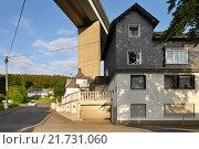 Купить «Siegen, Germany, Siegtalbruecke the A45 near Siegen», фото № 21731060, снято 27 мая 2015 г. (c) Caro Photoagency / Фотобанк Лори