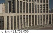 Купить «Дома на проспекте Сахарова. RAW», видеоролик № 21752056, снято 15 марта 2019 г. (c) kinocopter / Фотобанк Лори