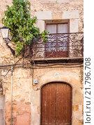 Купить «Siguenza, Spain, Detail of a house facade», фото № 21796708, снято 12 августа 2010 г. (c) Caro Photoagency / Фотобанк Лори