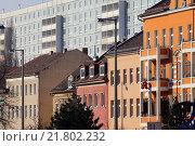 Berlin, Germany, old buildings and prefabricated buildings in Berlin-Friedrichsfelde (2011 год). Редакционное фото, агентство Caro Photoagency / Фотобанк Лори