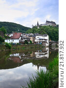 Vianden, Grand Duchy of Luxembourg, Our and the castle in Vianden (2011 год). Редакционное фото, агентство Caro Photoagency / Фотобанк Лори