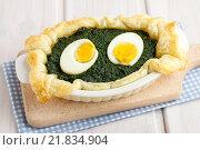 Купить «Souffle with spinach and eggs. Party dish», фото № 21834904, снято 26 февраля 2020 г. (c) BE&W Photo / Фотобанк Лори
