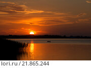 Купить «Закат на Псковском озере», фото № 21865244, снято 23 августа 2015 г. (c) Лада Иванова / Фотобанк Лори