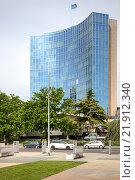 Купить «Высотное офисное здание представительства ООН в Женеве», фото № 21912340, снято 6 мая 2014 г. (c) Parmenov Pavel / Фотобанк Лори