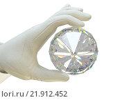 Купить «Большой бриллиант в руке», фото № 21912452, снято 27 марта 2019 г. (c) Арсений Герасименко / Фотобанк Лори