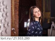 Портрет симпатичной девушки. Стоковое фото, фотограф Дмитрий Витушкин / Фотобанк Лори