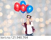 Купить «happy teenage girl with helium balloons», фото № 21940764, снято 19 декабря 2015 г. (c) Syda Productions / Фотобанк Лори
