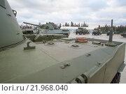 """Российское 120-мм дивизионно-полковое авиадесантное самоходное артиллерийское орудие 2С9 «Нона-С» в парке """"Патриот"""", вид сверху (2015 год). Редакционное фото, фотограф Малышев Андрей / Фотобанк Лори"""