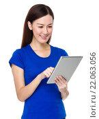 Купить «Asian Young Woman use of the digital tablet pc», фото № 22063056, снято 13 ноября 2019 г. (c) PantherMedia / Фотобанк Лори