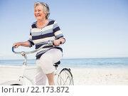 Купить «Senior woman on a bike», фото № 22173872, снято 12 ноября 2015 г. (c) Wavebreak Media / Фотобанк Лори